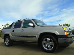 2005 Chevrolet Avalanche 4X4-SLE--CREWCAB-4X4--ONE OWNER TRUCK