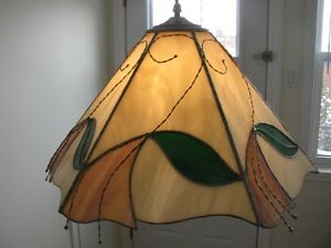 Lampe en vitrail - Stained glass lamp