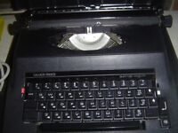 SILVER REED ELECTRIC 2200 TYPEWRITER