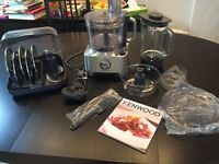 ALMOST BRAND NEW/HARDLY USED - Kenwood FPM810 MultiPro Sense Food Processor w/Scales, 3.5 L, 1000 W
