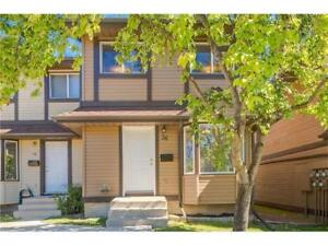 Ranchlands NW | TOWNHOUSE WITH PRIVATE FENCED BACKYARD