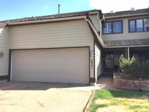 Townhome for Sale in Sherwood Park, AB (2bd 2ba/1hba)