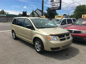 2010 Dodge Grand Caravan Stow-N-Go !Financement Disponible!