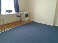 A WELL PRESENTED SELF CONTAINED FURNISHED FIRST FLOOR STUDIO FLAT (HANDSWORTH)
