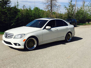 Mercedes-Benz C300 4matic luxury package