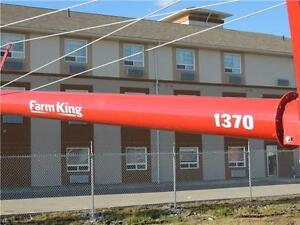 2016 Farm King 1370 TMMR Swing Auger NOVEMBER SALE!!! Regina Regina Area image 2