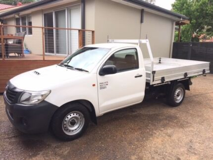 2013 Toyota Hilux TURBO DIESEL - full service history -Very clean