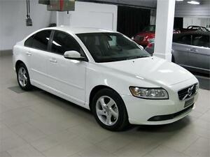 2011 Volvo S40 T5 LEVEL 2 2011 S40 T5 LEVEL 2, 95152Km, FINANCEM