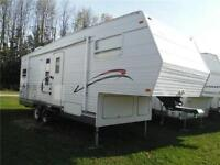 2003 Jayco Eagle 263 Rear Kitchen 5th Wheel Trailer with Slide