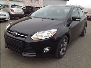 Ford Focus SE A/C MAGS Hatchback 2014