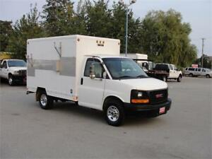 2003 GMC SAVANA 3500 CUBE VAN 10 FT BOX ONLY 128000KM