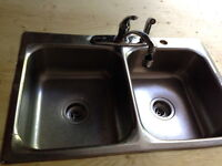 Kitchen sink - double -  in stainless steel with Delta faucet