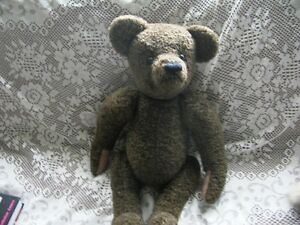 CUTE &  LOVELY 22 inch VINTAGE TEDDY BEAR WITH BEIGE PAWS