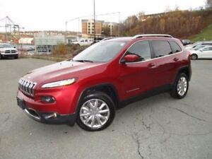 2017 Jeep CHEROKEE Limited (ONLY 5000 KMS!!! 3.2L V6, FRONT WHEE