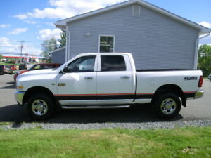 2011 Dodge Ram 2500 Crewcab 4x4 diesel only 138000 kms