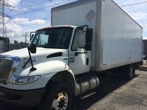2011 International 4300 4x2, Used Dry Van
