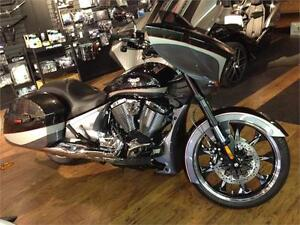2016 Victory Magnum - Black Crystal and Steel Gray