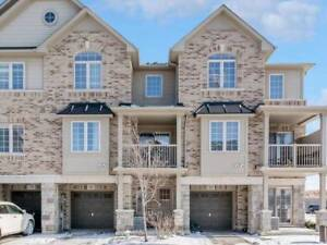 Highly Upgraded Townhouse W/2+2 Bedrooms & Beautiful Lake Views