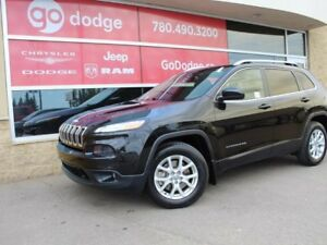2016 Jeep Cherokee North 4x4 / Sunroof / Back Up Camera / Heated