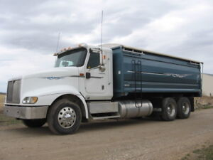 2006 INTERNATIONAL 9400i AUTOMATED GRAIN TRUCK
