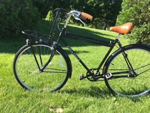 New Hollandia 3 Speed Touring Bicycle