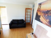 Very spacious three bedroom flat with balcony and parking couple minutes from Wanstead station