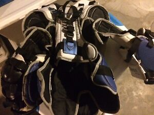 Vaugn goalie chest protector youth large Kitchener / Waterloo Kitchener Area image 2