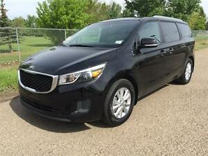 2017 Kia Sedona LX **LIKE NEW!!**