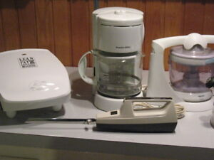 Tons of Kitchen Appliances