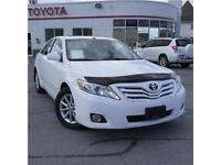 2011 Toyota Camry XLE leather heated seats, sunroof