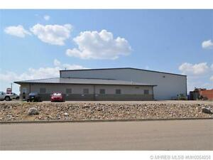 26,850 SF Shop/Office  in REDCLIFF