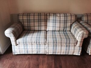 HIGH END LOVE SEAT & CHAIR FINAL REDUCTION FOR  XMAS Kawartha Lakes Peterborough Area image 4