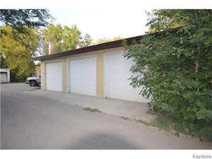 900 sqft heated storage/garage for rent