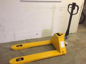 POWER PALLET TRUCK 3000lb capacity 'HYBRID POWER'