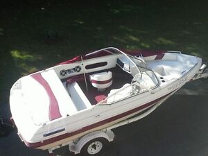 bateau open deck contre motomarine
