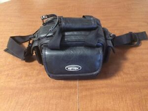 Small camera/camcorder bag