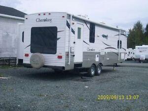 2008 Cherokee 27' Travel Trailer