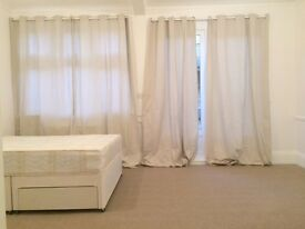 A Newly Refurbished Spacious Studio Flat to Rent Just 10 Minutes from Bounds Green Station N13