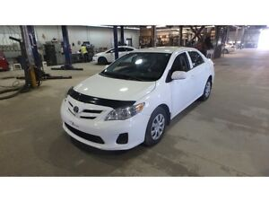 2013 Toyota Corolla 41000km clean history one owner 416-858-7673