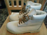 TIMBERLAND SIZE 9 MENS BOOTS