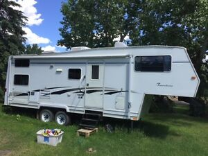 Travelaire TW257 5th Wheel with Slide and Bunks