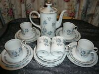 Dinner set blue perfect condition