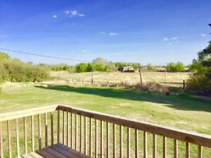 BEAUTIFUL ACREAGE FOR RENT -Extremely close to the city!