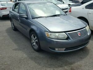 Selling 2005 saturn ion 4 door sedan.