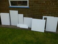 Assortment of shaker - (NEW) white gloss kitchen cupboard/unit doors in various sizes