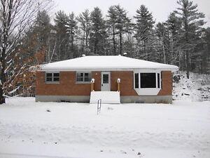 3 bedroom bungalow w/ garage in North Frontenac! $184,900