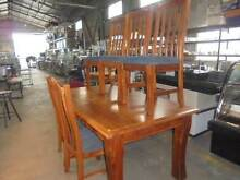 TIMBER DINING SUITE - YOU WOULDN'T MAKE IT AT THIS PRICE!!   $150 Brendale Pine Rivers Area Preview