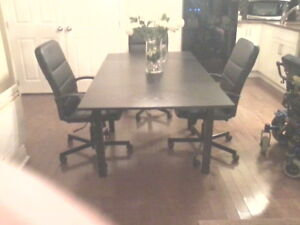 Table salle a manger & 3 chaises