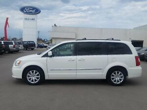 2013 Chrysler Town & Country ECOMODE,BLUETOOTH,UCONNECT,FINA