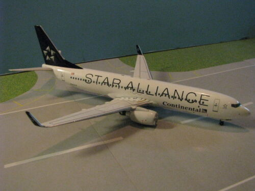 "BBOXSTAR01 CONTINENTAL ""STAR ALLIANCE"" 737-800 1:200 SCALE DIECAST METAL MODEL"
